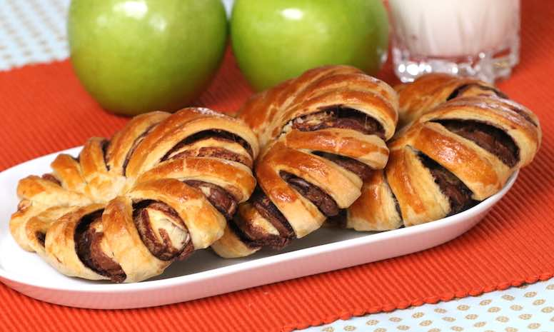 This 3 Ingredient Nutella Braided Bread recipe is easy and delicious