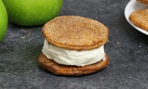 Easy Apple Pie Ice Cream Sandwiches