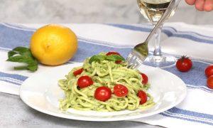 This Avocado Pasta recipe is a delicious vegetarian dinner idea