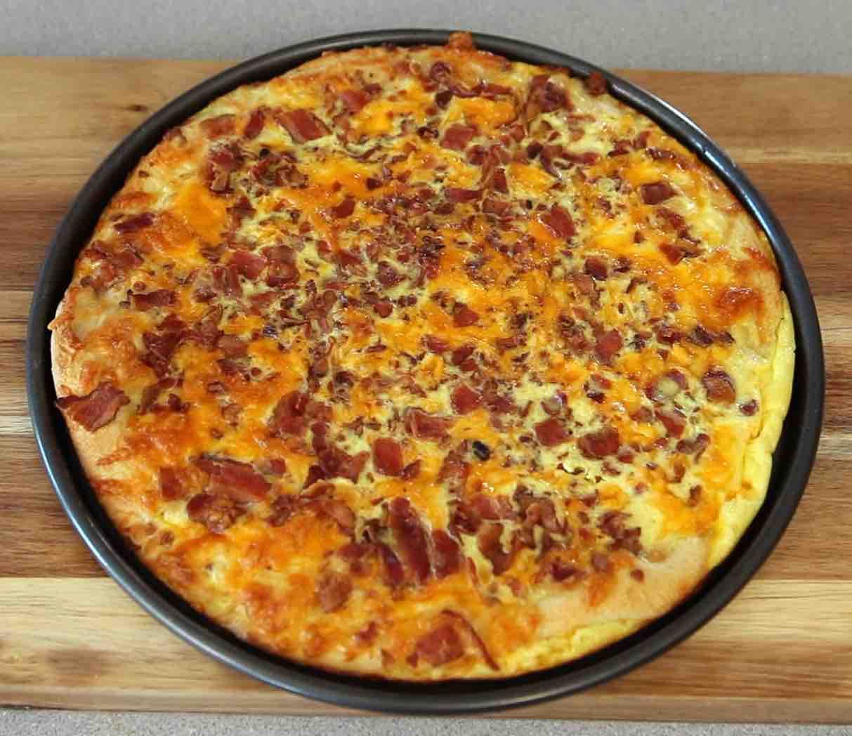 Bacon Egg & Cheese Breakfast Pizza - TipBuzz