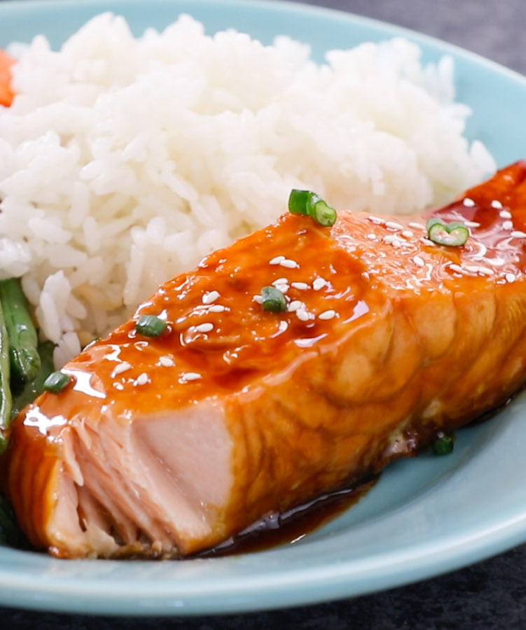 baked teriyaki salmon with green beans and carrots tipbuzz. Black Bedroom Furniture Sets. Home Design Ideas