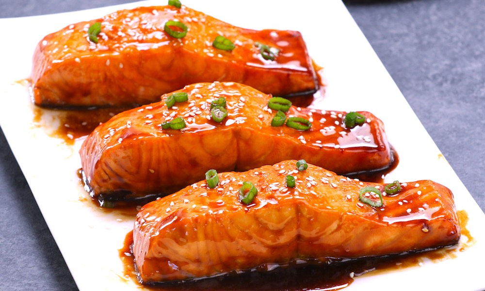 Baked Teriyaki Salmon with Green Beans and Carrots
