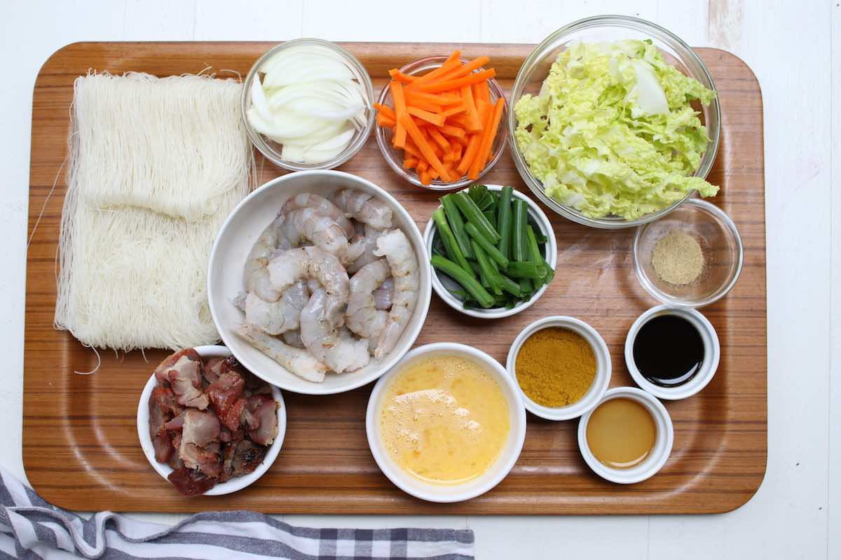 Ingredients for mei fun: noodles, shrimp, carrots, cabbage, pork and seasonings