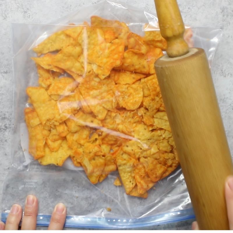 Pulverizing chips using a resealable plastic bag and a rolling pin