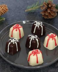 These Easy Ice Cube Chocolates are a delicious holiday gift that's easy to make