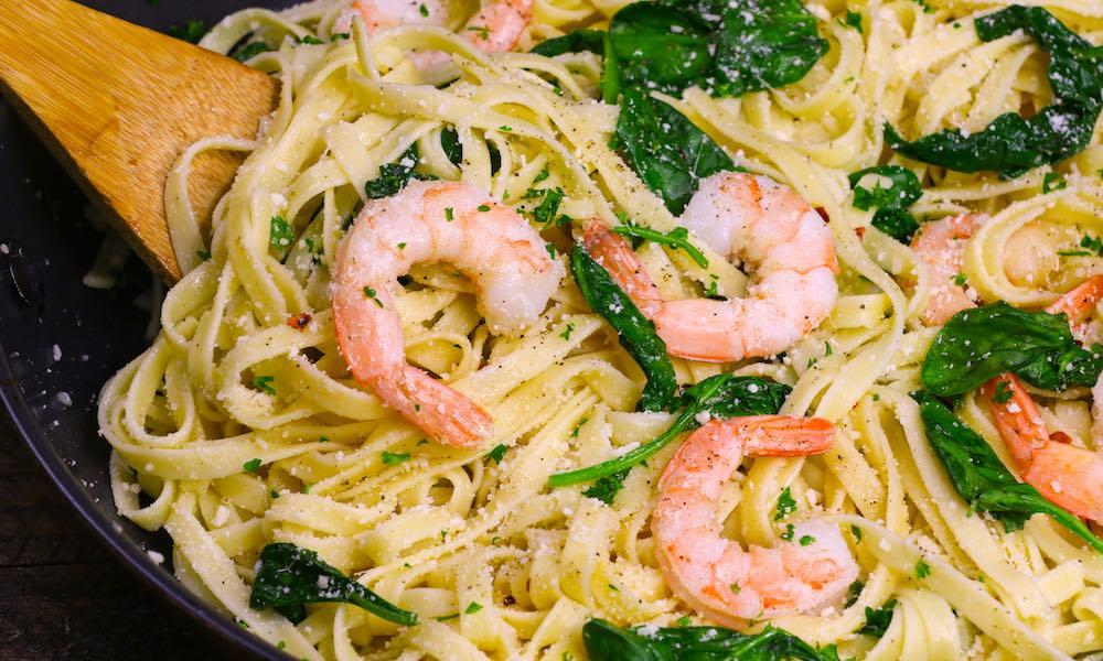 The Best Garlic Butter Shrimp Pasta