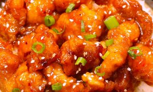 General Tso's Chicken – crispy and tender chicken coated in a sticky tangy sauce, totally addictive! This homemade General Tso Chicken takes about 20 minutes and is so much better than Chinese takeout!