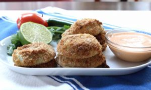 This Guacamole Stuffed Onion Rings recipe is easy to make and so tasty!