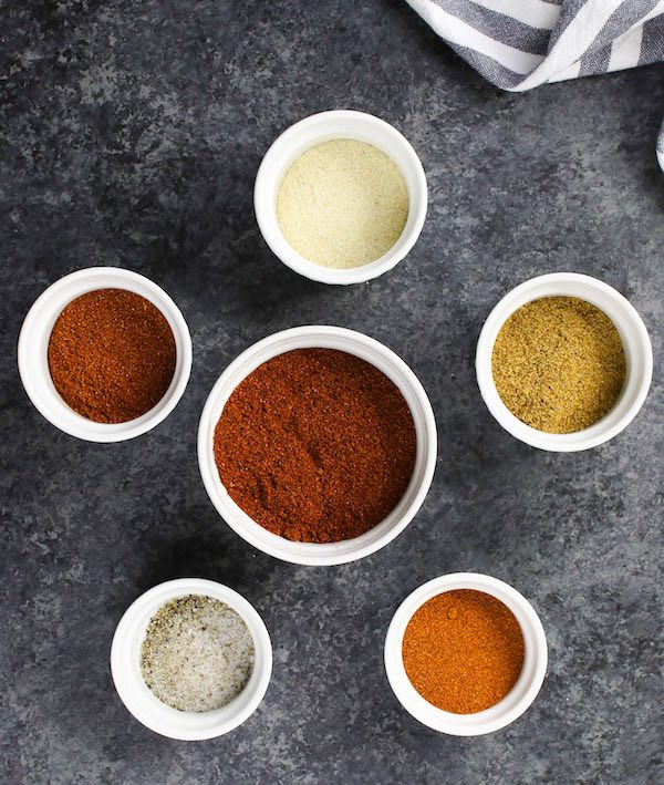 Homemade Fajita Seasoning: cumin powder, chili powder, paprika, cayenne, garlic powder, salt and pepper