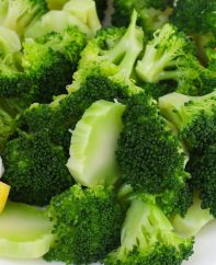 Learn how long to boil broccoli to make this healthy and nutritious vegetable with slightly crunchy texture and bright green color. I will share with you a technique that ensures perfectly boiled broccoli every time!