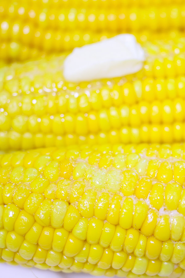 How long to boil corn on the cob depends primarily on freshness of the corn