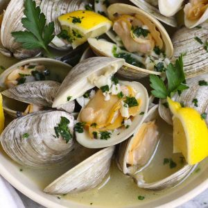 Steamed littleneck clams with lemon and garlic