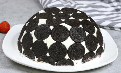 Easy No Bake Oreo Cake