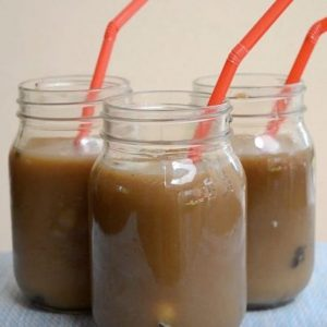 Here is a delicious recipe for Iced Coffee with Oreo cookies