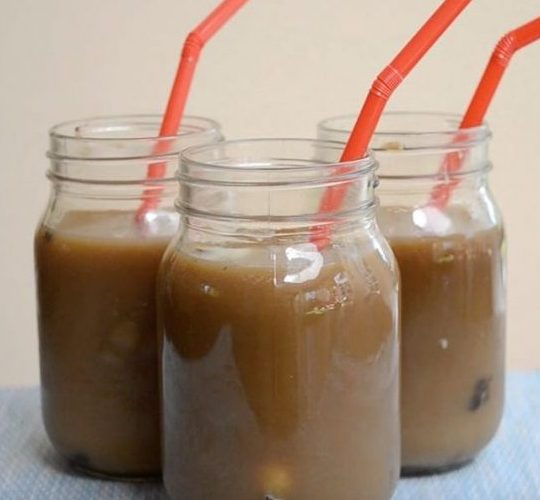 Oreo coffee served in mason jars for a refreshing beverage that can be served hot or cold