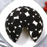 Oreo Cake - a delicious no bake dessert made with oreos, whipped cream, cream cheese, and srawberries.