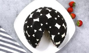 Upside Down Oreo Cake (No Bake)