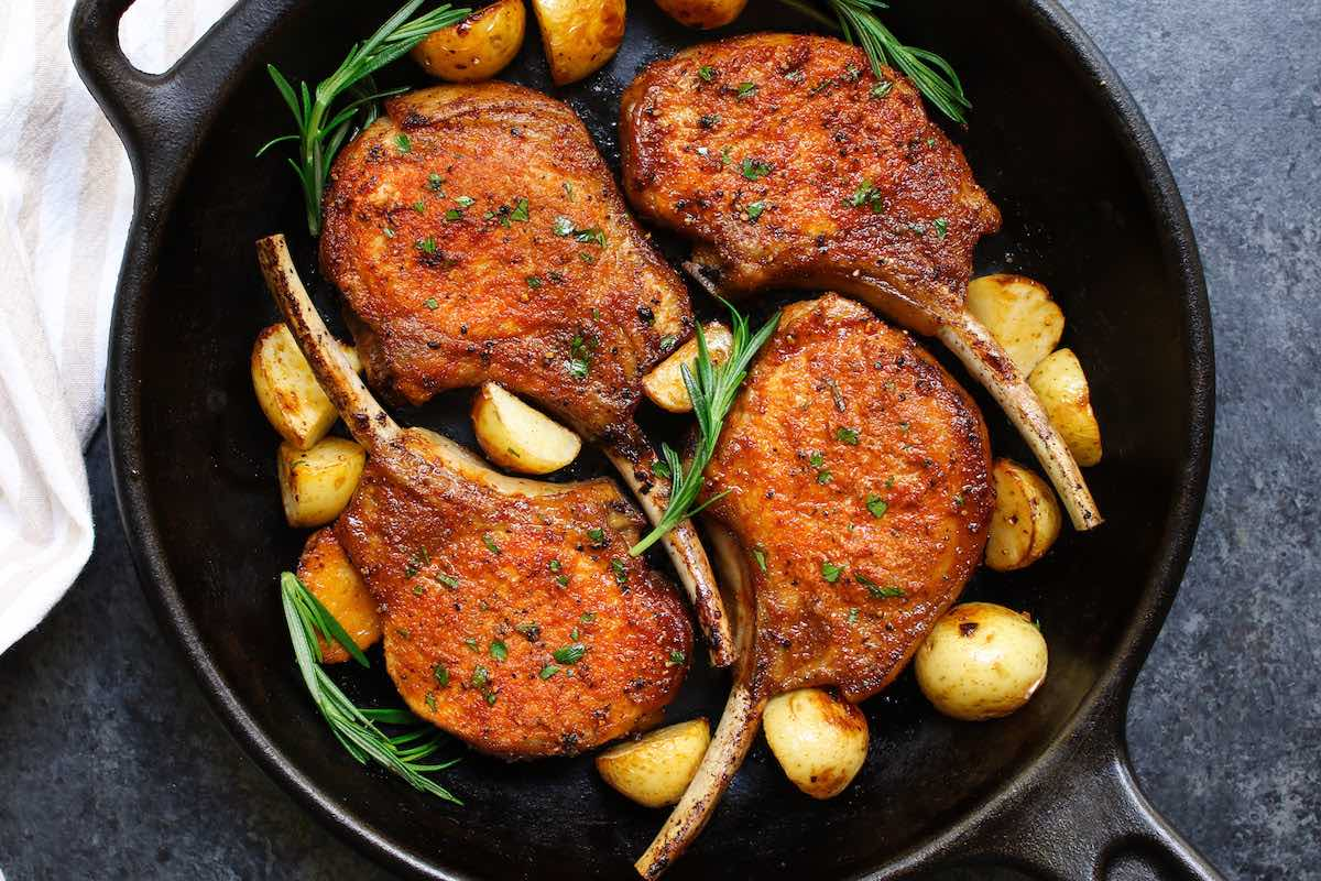 how to cook boneless pork chops on the stove
