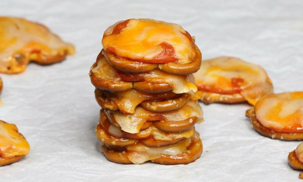 10 Minute Pizza Pretzel Bites