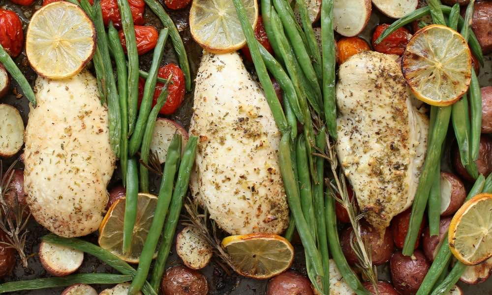 30 Minute One Pan Baked Chicken With Potatoes, Green Beans and Cherry Tomatoes