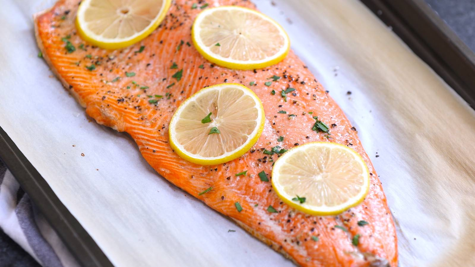 How To Cook Sockeye Salmon Baked Or Grilled Tipbuzz