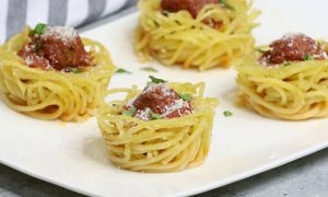 Easy Spaghetti Meatball Cups