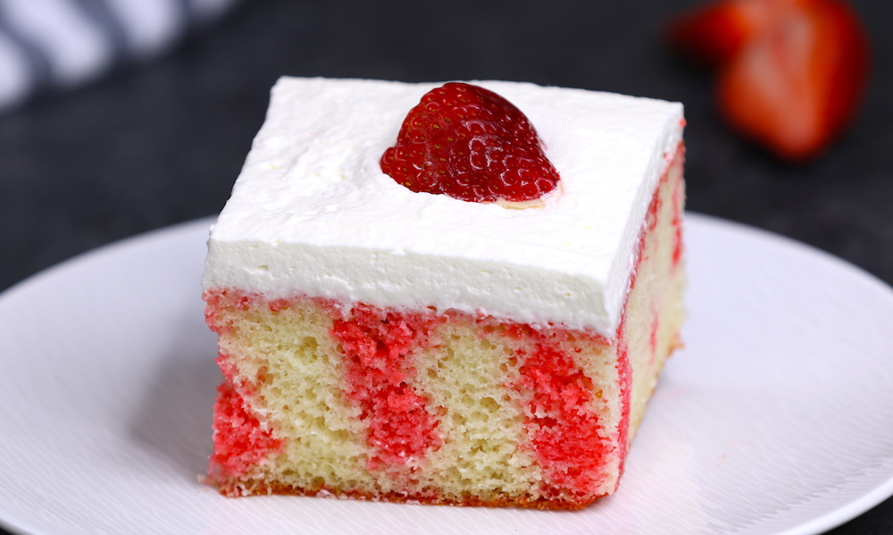 Easy Strawberry Jello Poke Cake