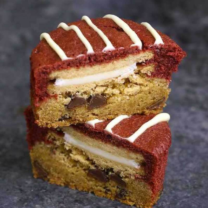 Vanilla Red Velvet Slutty Brownie Cupcakes - the ultimate treat that's perfect for a party and tastes like a cross between blondies and red velvet cake. So delicious!