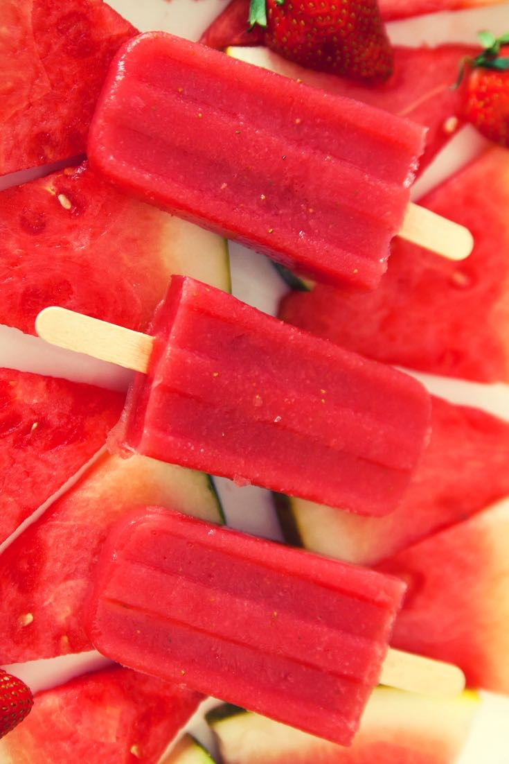 Healthy Strawberry Watermelon Popsicles – So easy to make and perfect for a summertime treat! All you need is only 3 simple ingredients: watermelon, strawberries and lime! Kids friendly, quick and easy recipe, no bake recipe, vegan recipe.