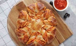 This Pizza Star is a fun party recipe